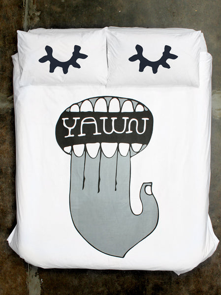 Jim Datz Yawn Quilt Cover