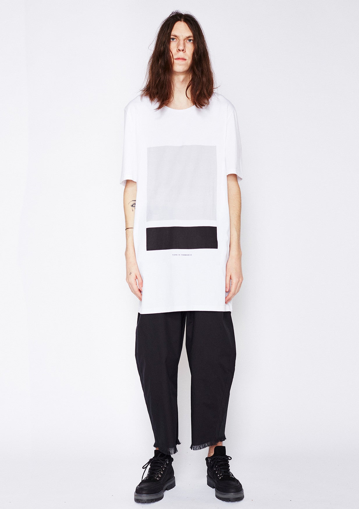 Split box Tee - Black, Grey