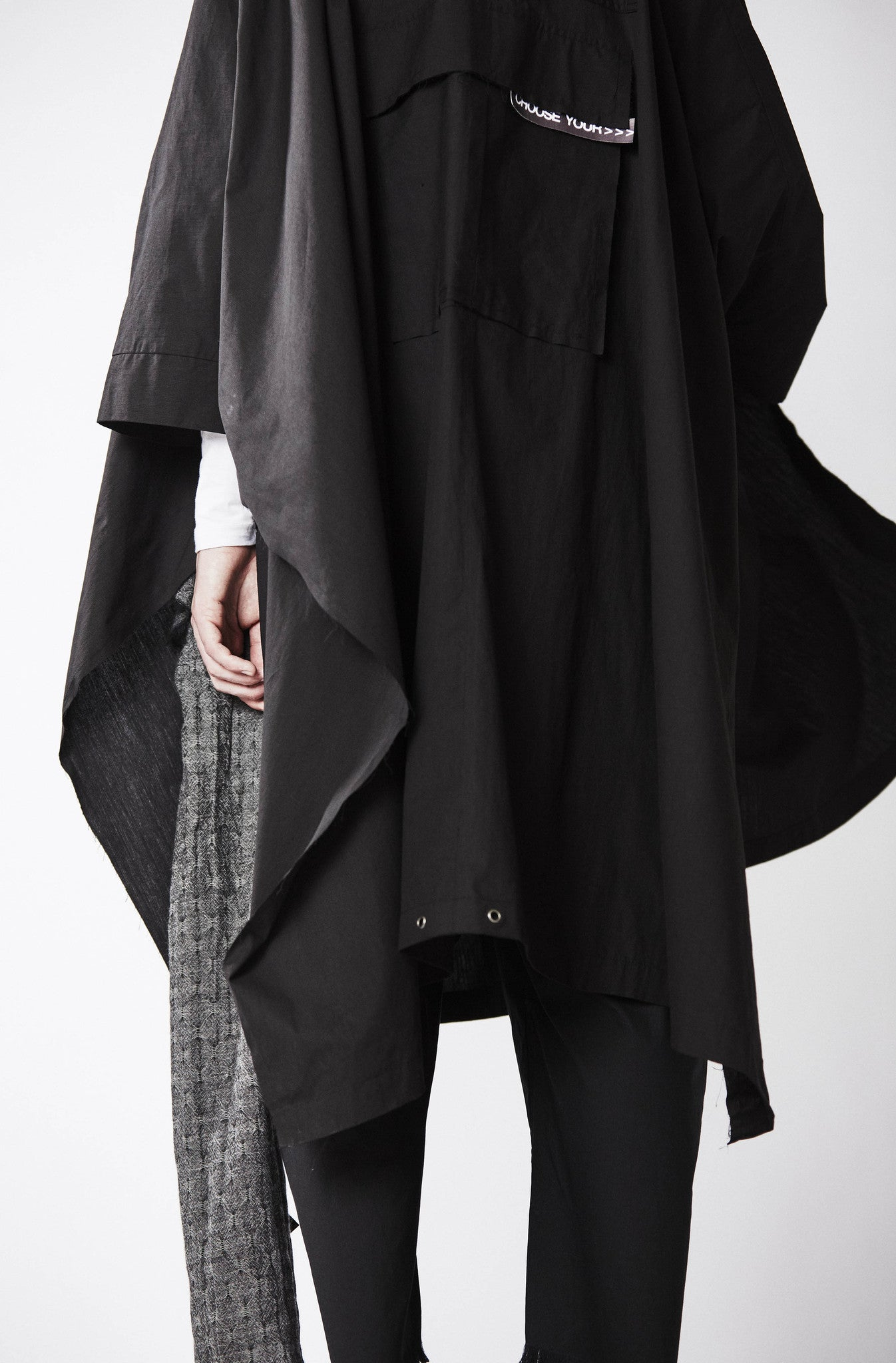 ESCAPE TAILORED PONCHO - low stock