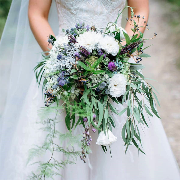 Natural Trailing Bouquet