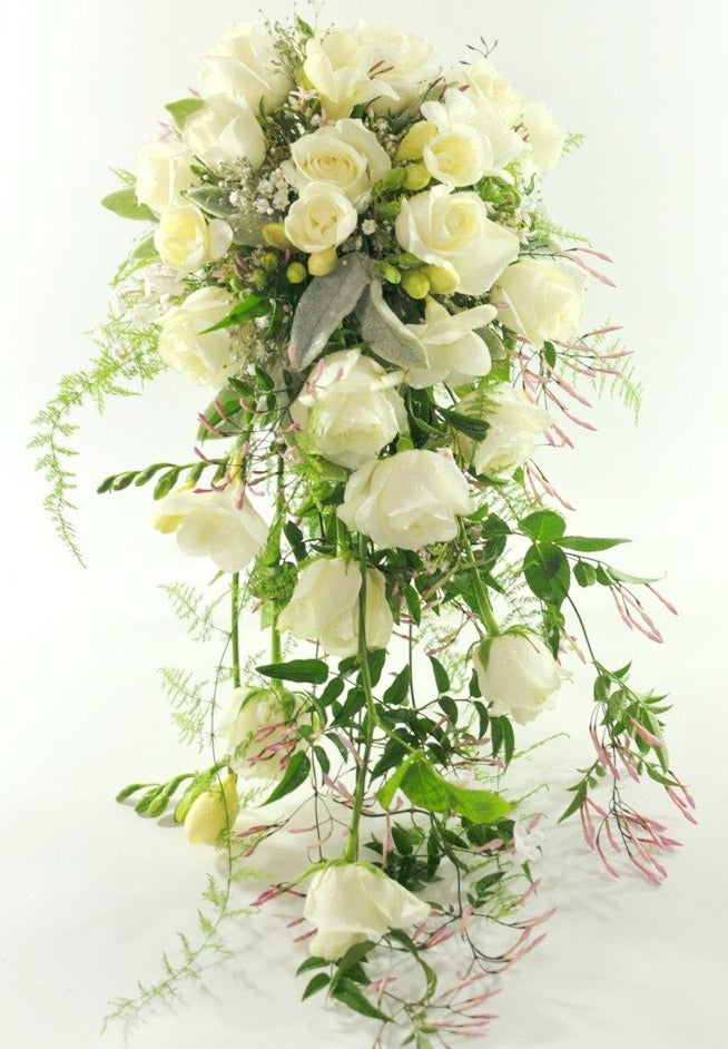 Traditional wired trailing Bouquet