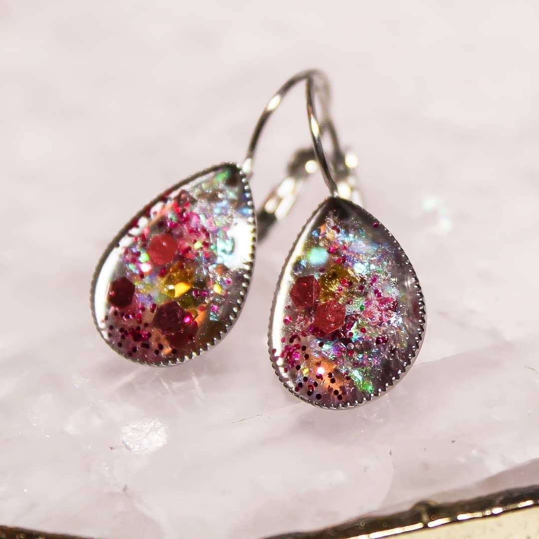 Teardrop-Shaped Drop-Earrings