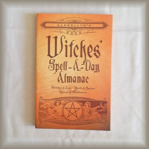 Witches' Spell-A-Day Almanac 2004 Llewellyn PB