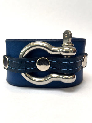 new customer review about the signature shackle cuff
