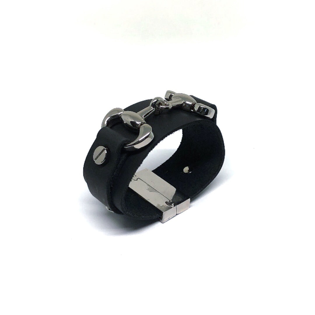 equestrian cuff black by nyet jewelry