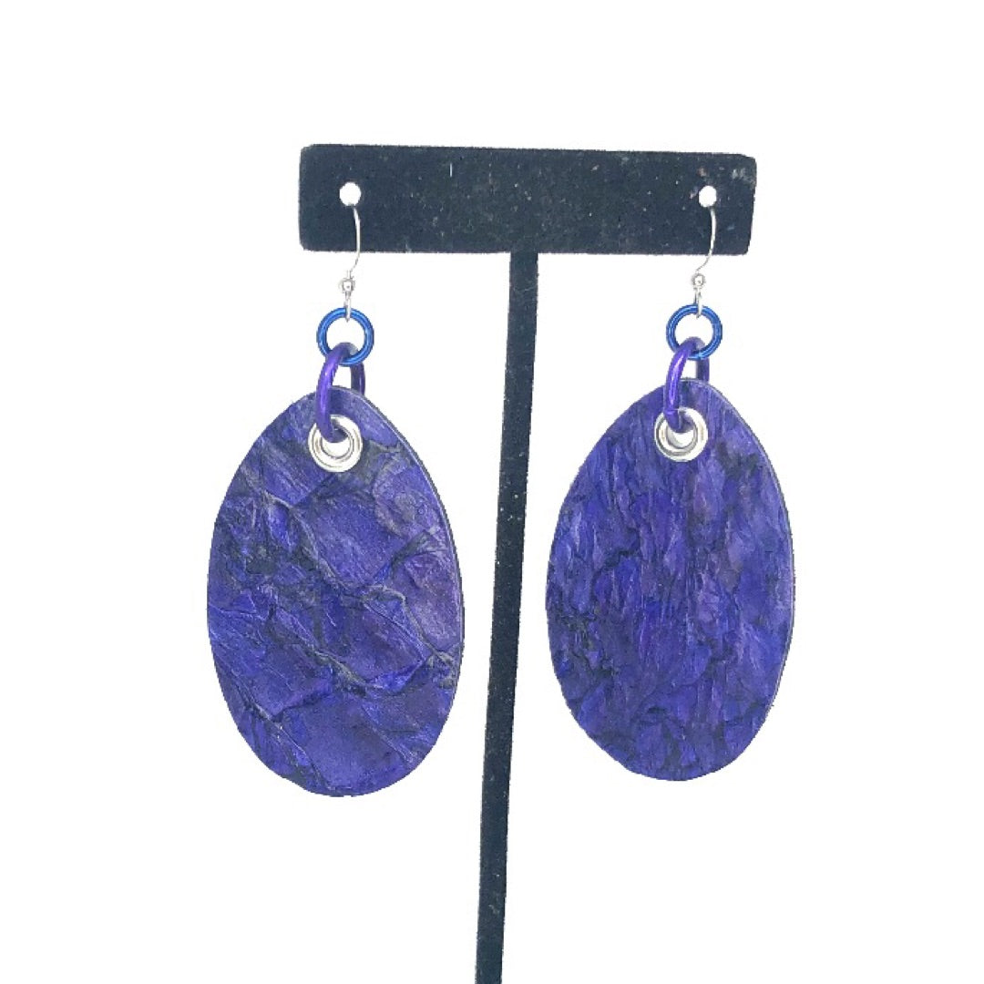FISH LEATHER OVAL EARRINGS. BY NYET JEWELRY.