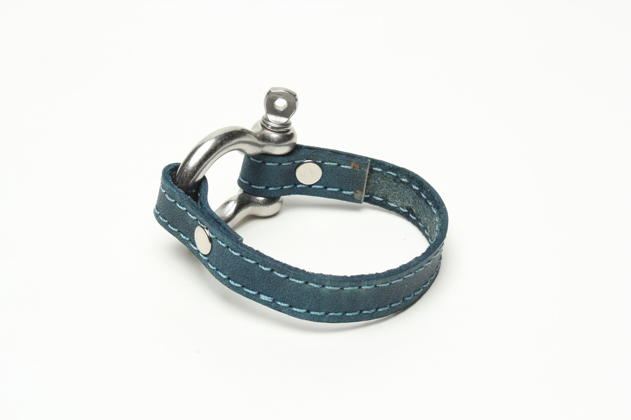 Signature Bracelet Bright Turquoise BY NYET JEWELRY.