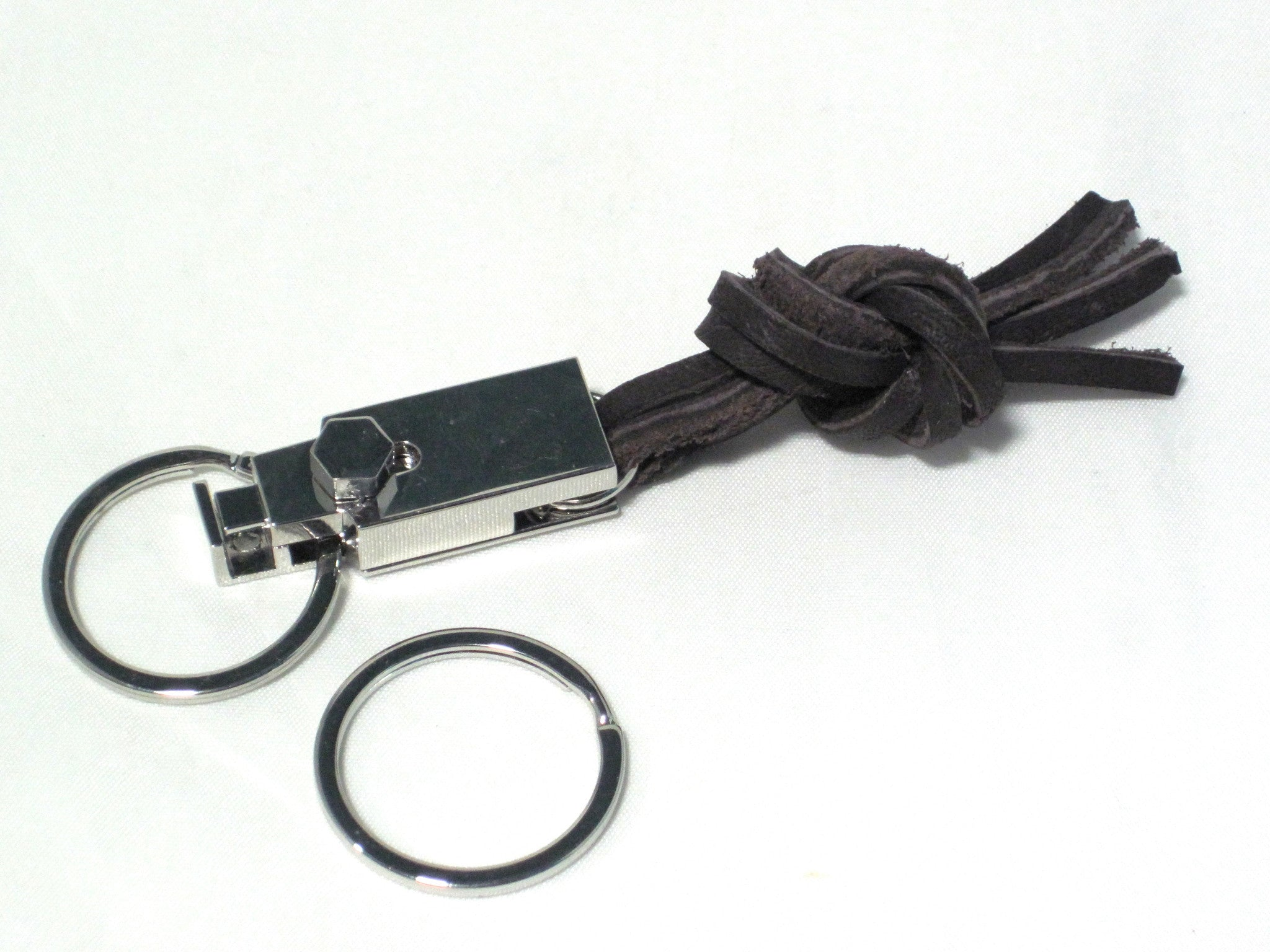 Leather knot key chain by nyet jewelry.