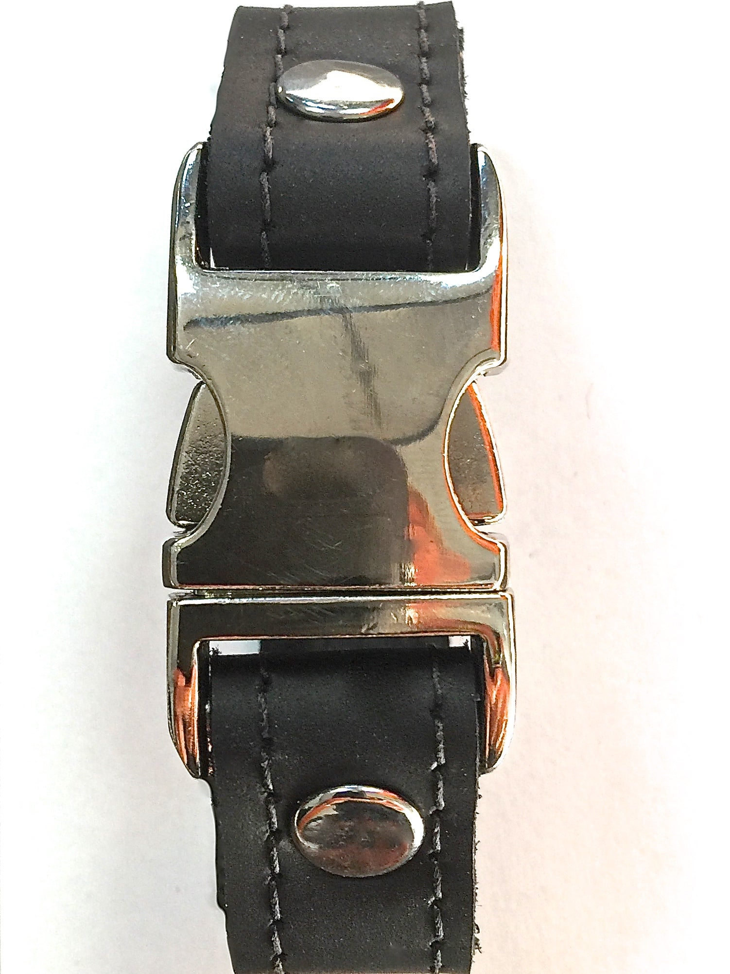 Black leather bracelet with side squeeze aluminum buckle