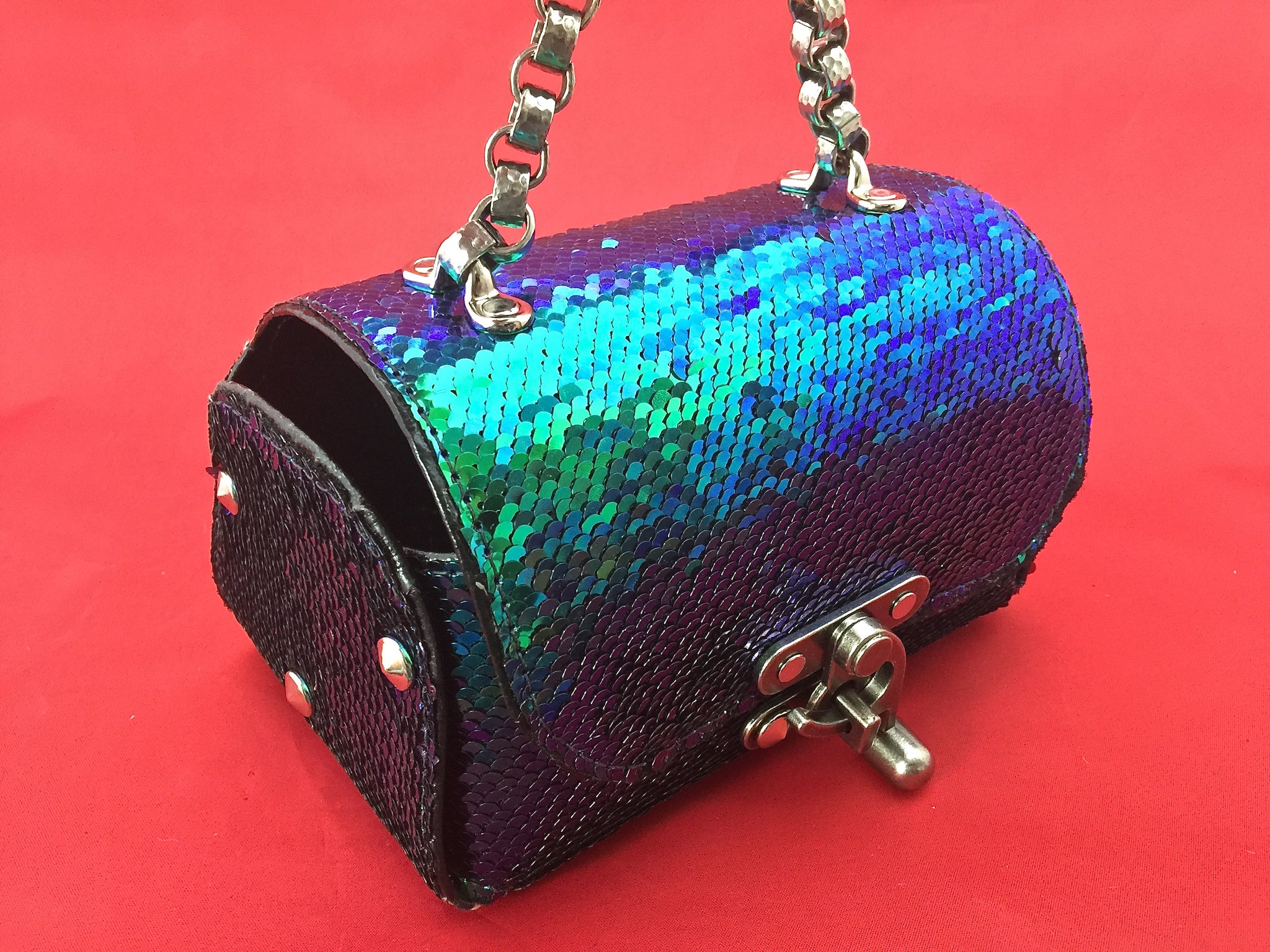Nyet Jewelry The Siren Call leather and sequins lunch box evening bag Silver
