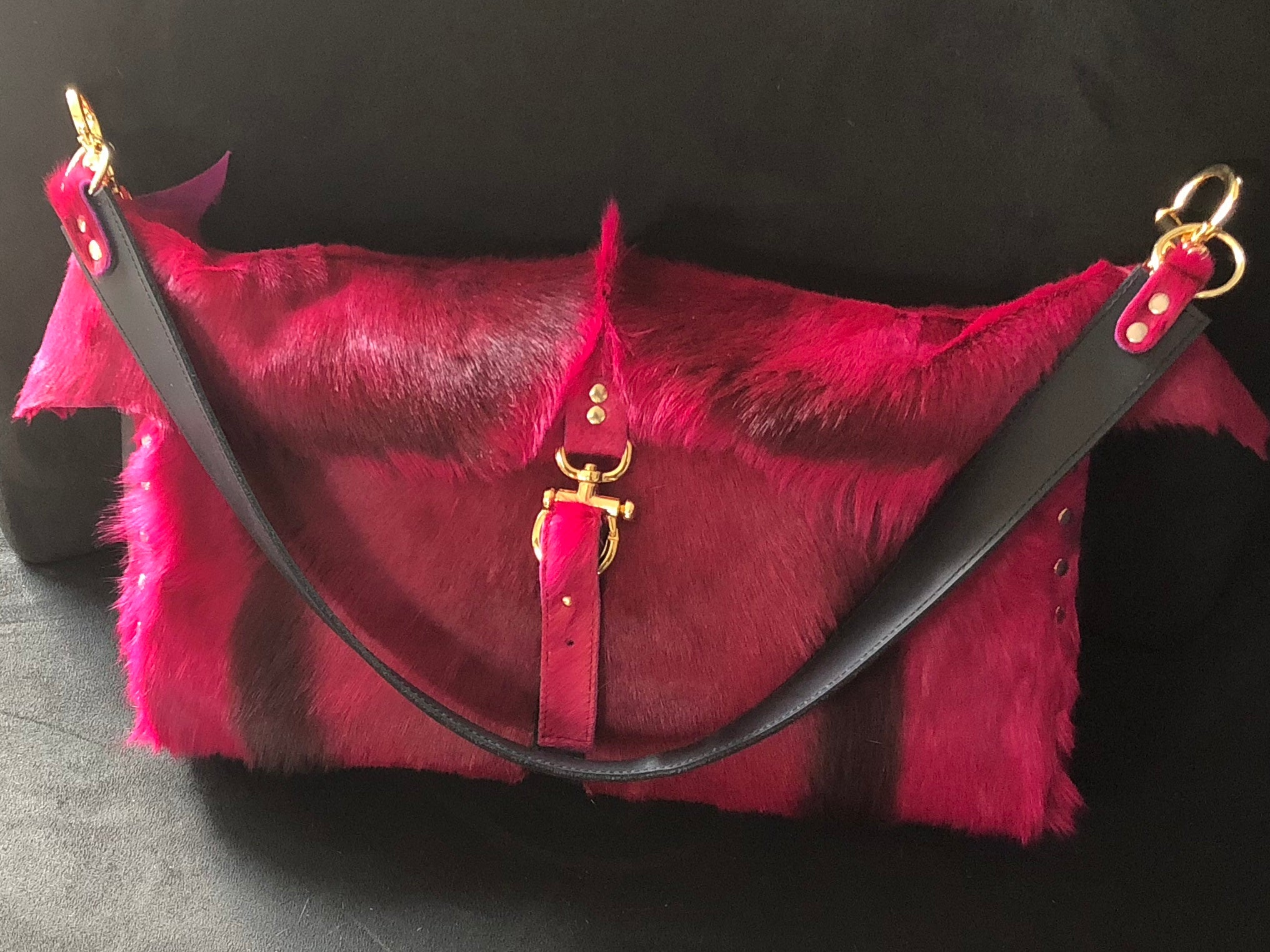 Springbok fuchsia  oversize bag with matching wallet by nyet jewelry