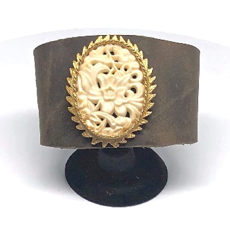 cameo cuff 2 by Nyet Jewelry