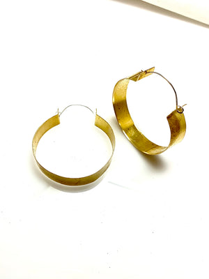 BIG BAUBLE ROUND BRASS EARRINGS