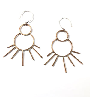 ICON ROUND STAR EARRINGS