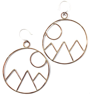 ICON ROUND MOUNTAIN EARRINGS