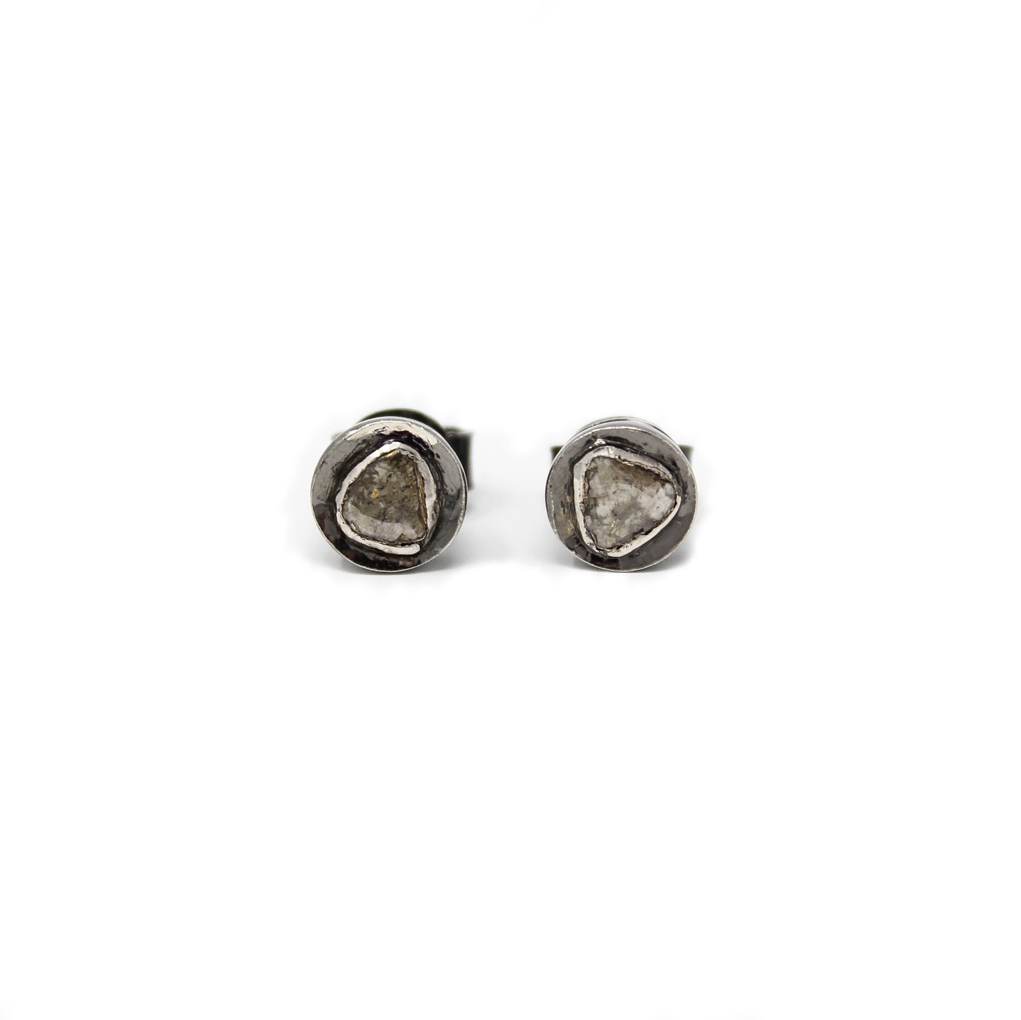 .Silver Round Diamond Earrings