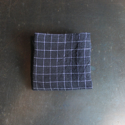 .Black + White Checkered Napkin
