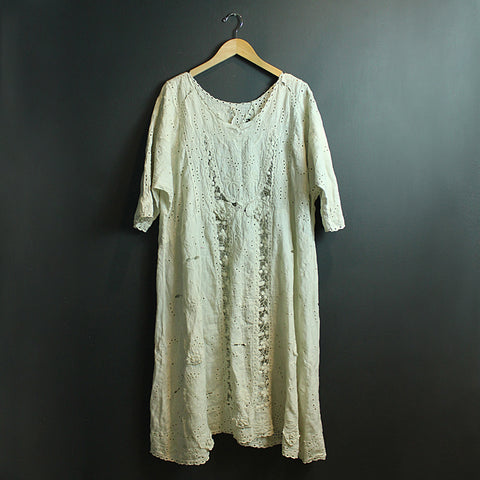 .Cream Embroidered Dress
