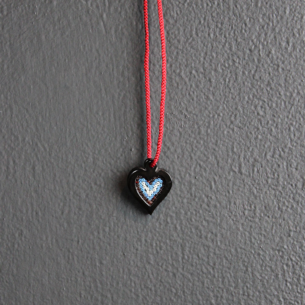 .Black + Red Heart Beaded Necklace