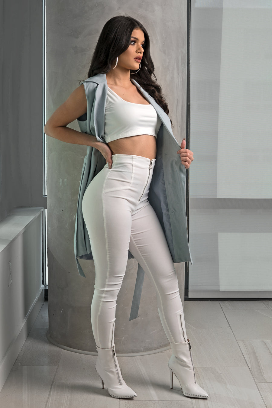 White High-Waisted Legging Pants