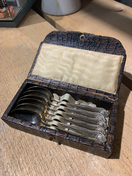 Boxed set of Tea Spoons six