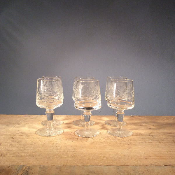 Vintage Set of 6 Etched Sherry Glasses 002