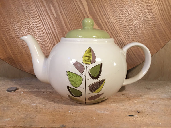 Vintage four cup Tea Pot Leaf pattern