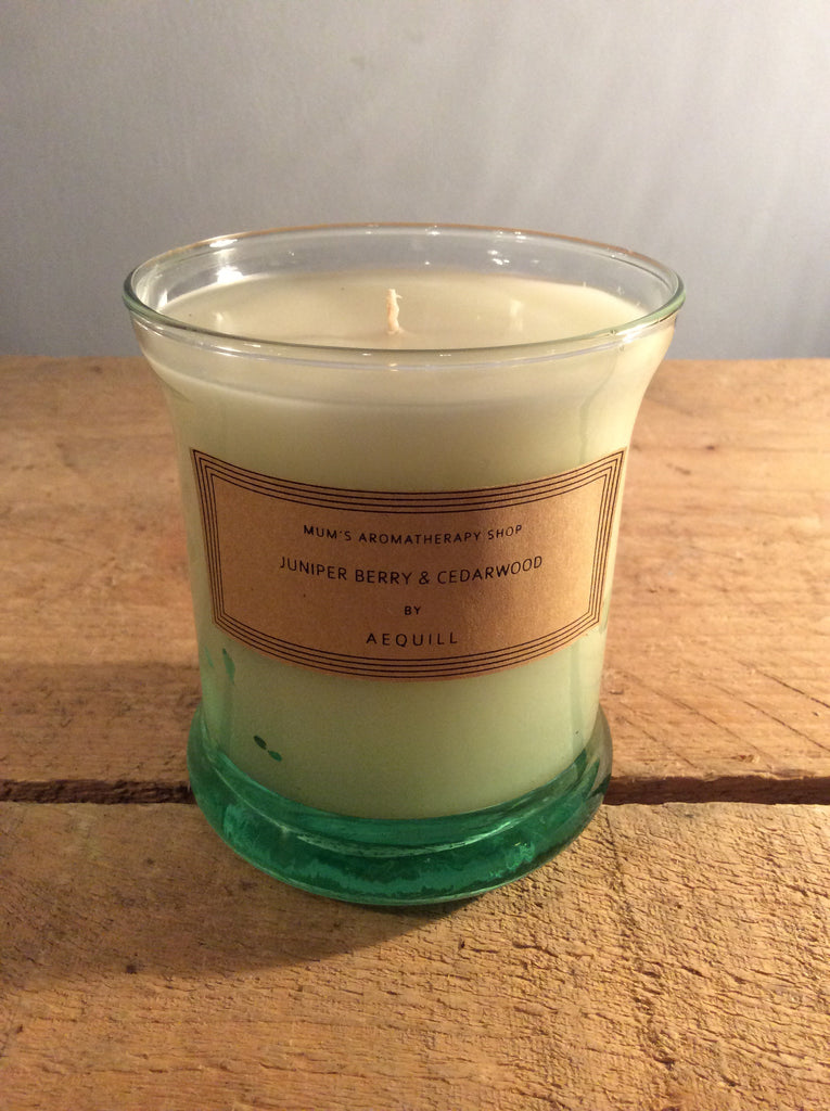 AEQUILL Juniper Berry & Cederwood Scented candle