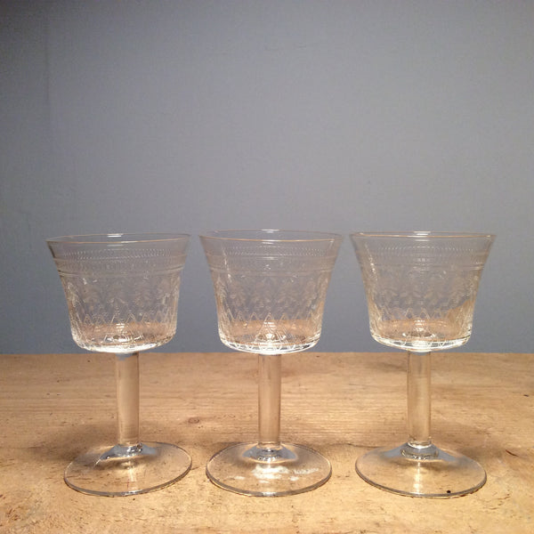 Vintage Set of 5 Etched Sherry Glasses