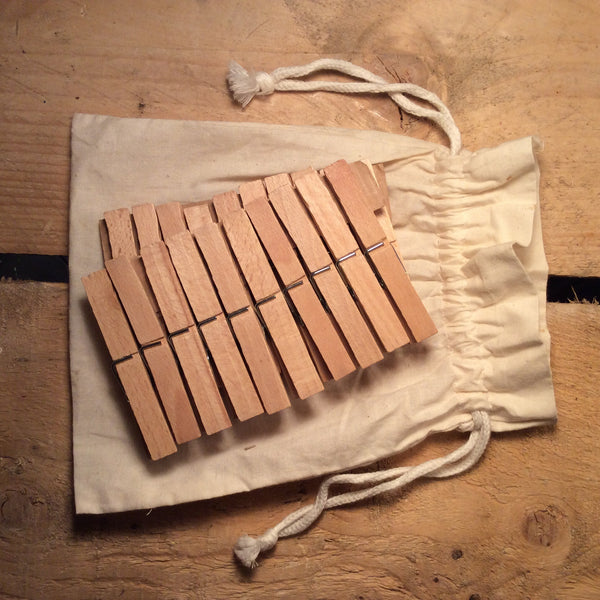 Wooden Clothes Pegs 20pcs in Cotton Bag