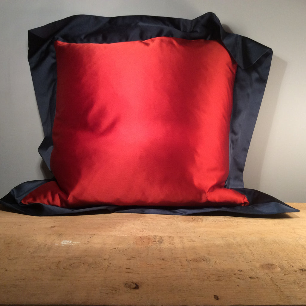 Contrast Cushion with Oxford Border 50cm