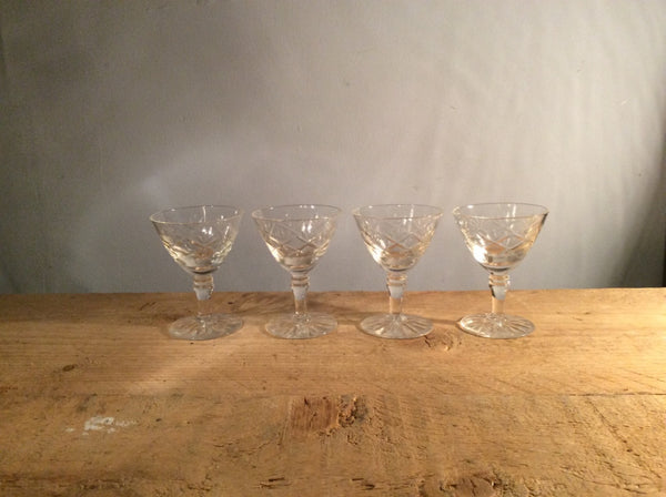 Set of 4 etched small glasses