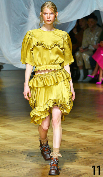 PREEN BY THORNTON BREGAZZI SS19 LOOK 11 JOLIE ALLIEN IS WEARING TRISHA TOP AND AGATHA SKIRT WITH ZEN BOOT.