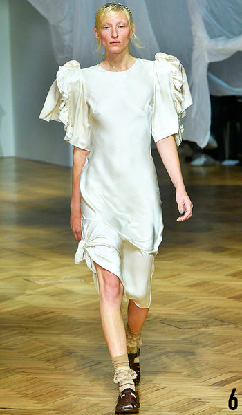 PREEN BY THORNTON BREGAZZI SS19 LOOK 6 MAGGIE MAURER IS WEARING JUSTYNA DRESS WITH INDIRA SANDAL.