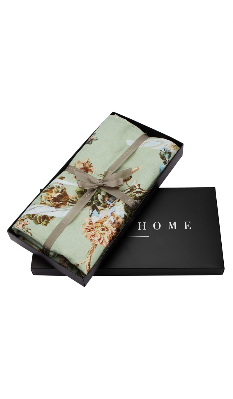 Eau de nil floral table cloth