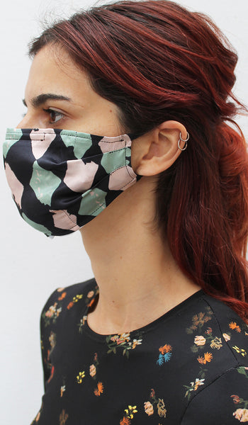 HARLEQUIN FACE COVERING