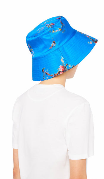 HOLLY HAT BLUE GARLAND
