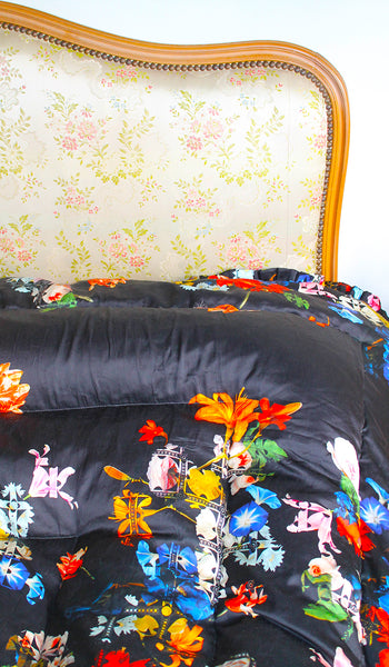 BLACK LACE FLOWER QUILTED EIDERDOWN