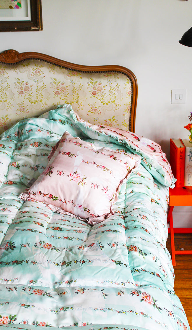 MINT & PEACH PETAL CHAIN QUILTED EIDERDOWN