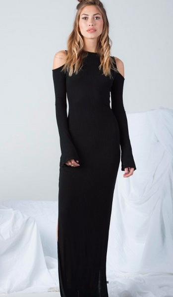 NYTT Cold Shoulder Maxi Dress