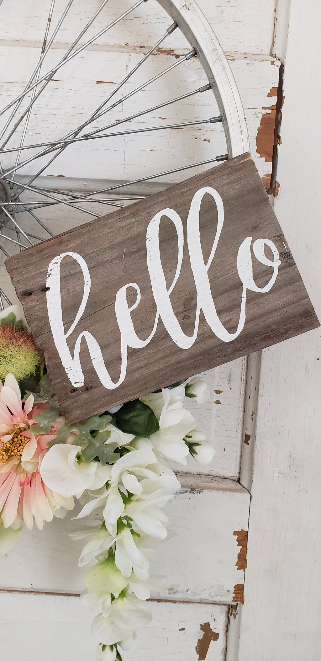 White 'hello' Wreath Sign