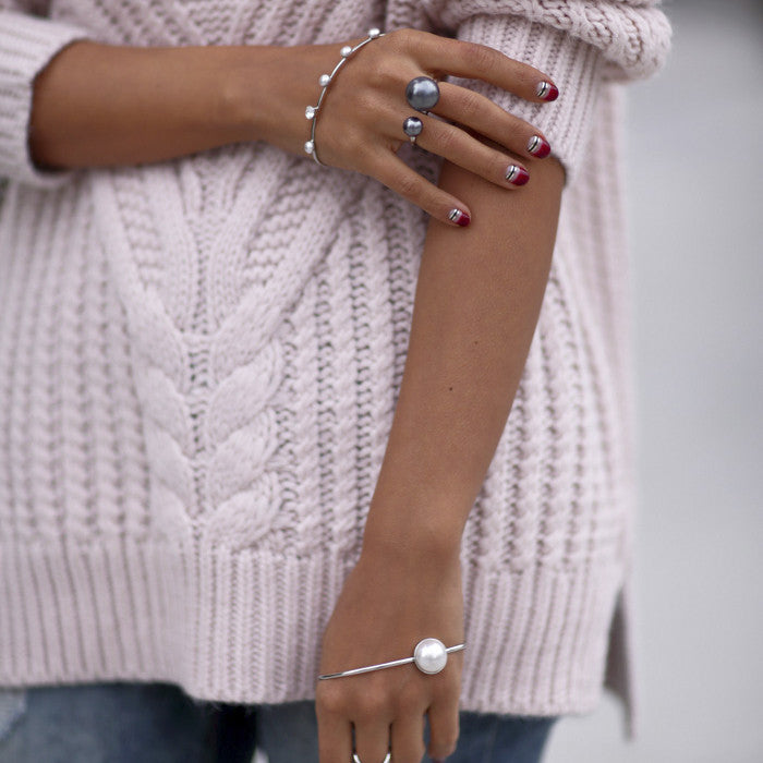 VivaLuxury - Fashion Blog by Annabelle Fleur wears Sarina Suriano lustrous oculous pearl palm cuff