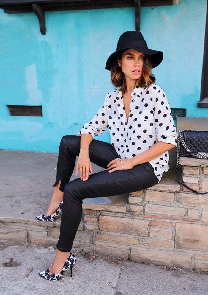 VivaLuxury - Fashion Blog by Annabelle Fleur in her shoot Black 'n White wears Sarina Suriano sparkling caelum pearl palm cuff