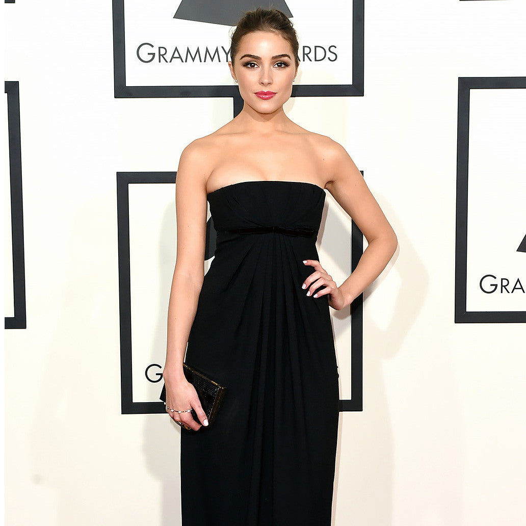 Actress and Model Olivia Culpo at the Grammy Awards wears Sarina Suriano Sparkling Caelum pearl palm cuff