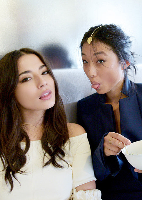 Blogger Margaret Zhang wearing Sarina Suriano Trailing Carta headpiece at Derby Day 2015