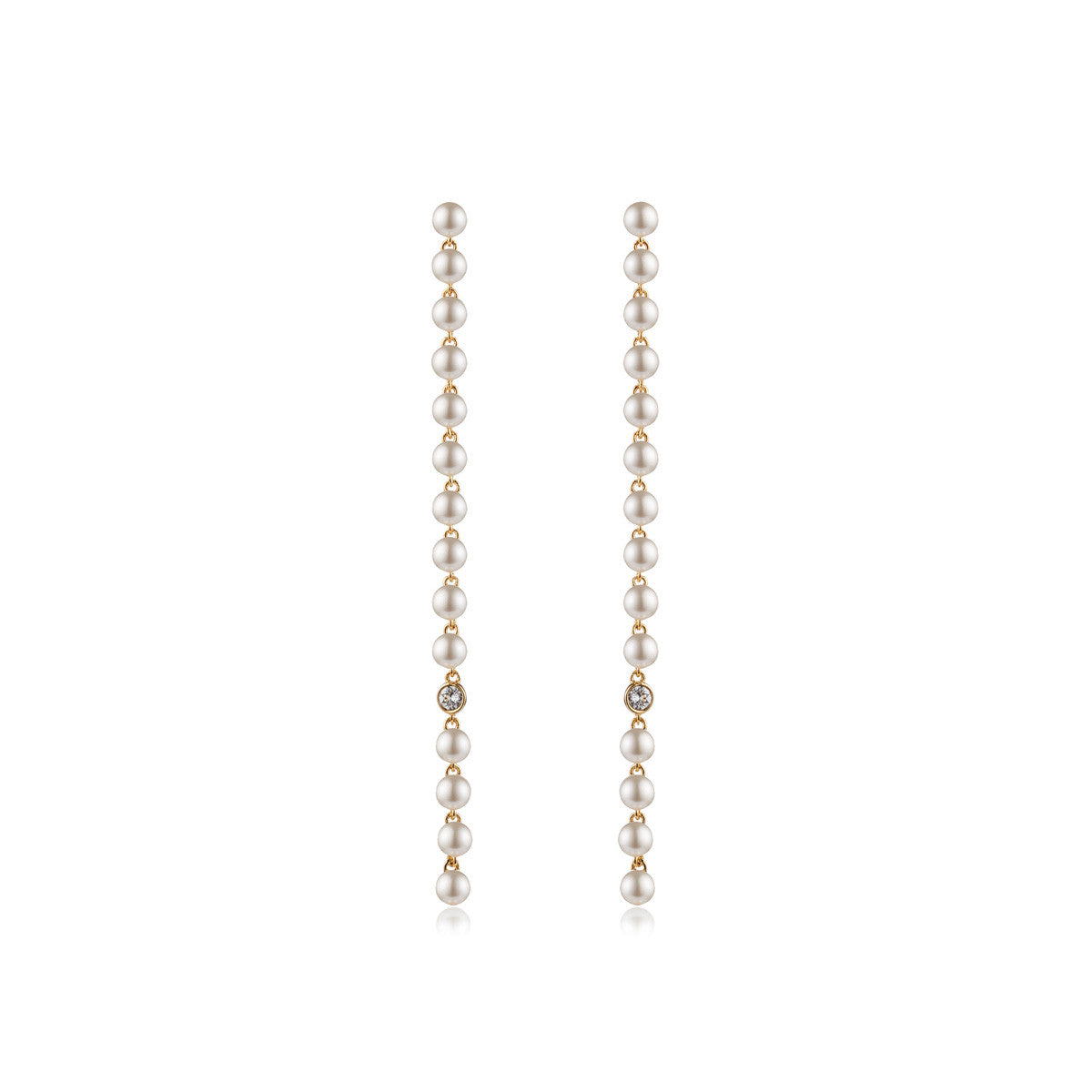 Solid brass, 18K gold plated Diana drop earrings with Swarovski® pearls and crystal – front