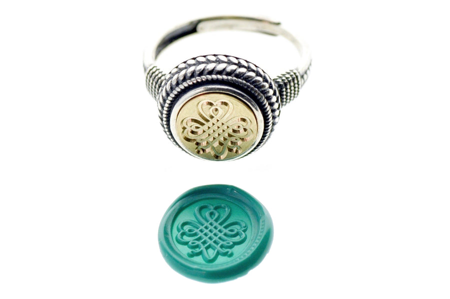 Shamrock Signet Ring - Backtozero