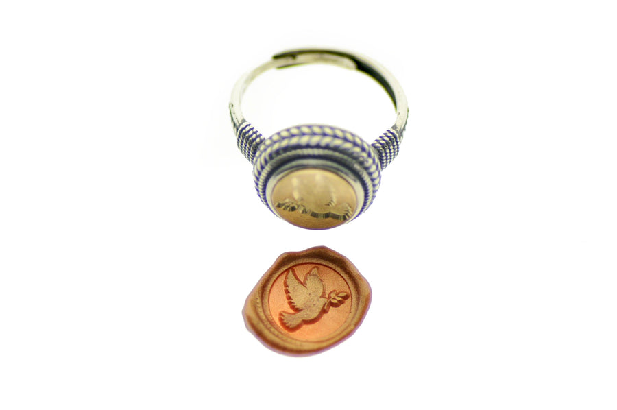Dove Signet Ring - Backtozero