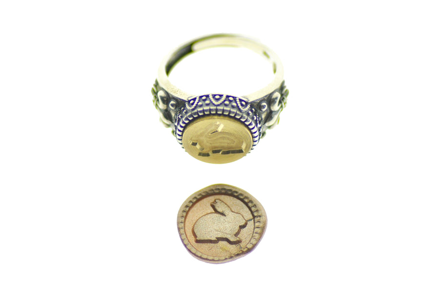 Rabbit Signet Ring - Backtozero