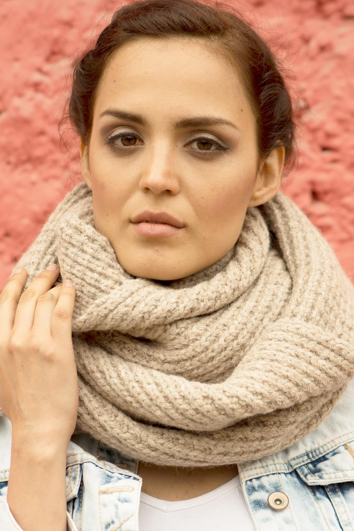 Oat Hand-Knit Oversize Cuadro Scarf